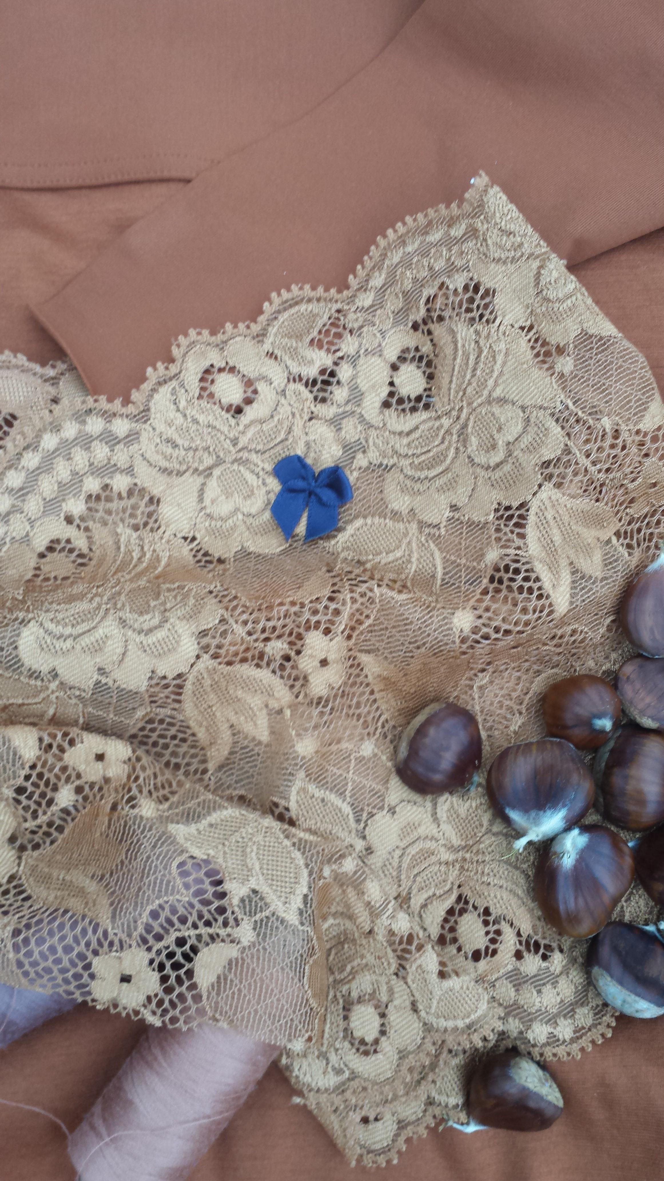 Dessous in Farbe Maronen