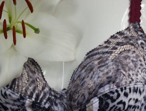Bodywear in Weiß-Schwarz